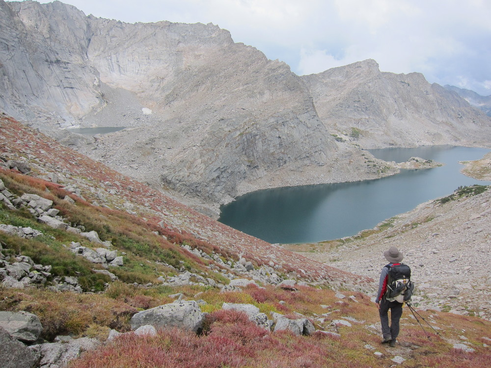 Descending from Temple Pass to Temple Lake.